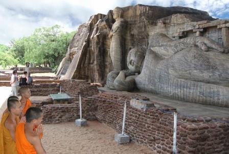 Gal Viharaya Polonnaruwa SriLanka