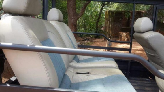 Jeep 5+1 Seater (2)