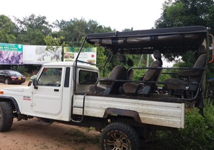 safari jeep 7 seater